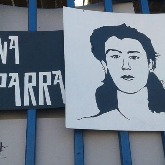 Paneles conmemorativos mujeres en la historia.